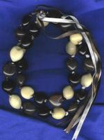 Kukui Nut: Tri-color lei - Product Image