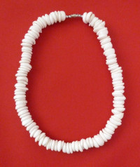 Necklace: White Surfer's Hand-Strung Big Shell Model 3 - Product Image